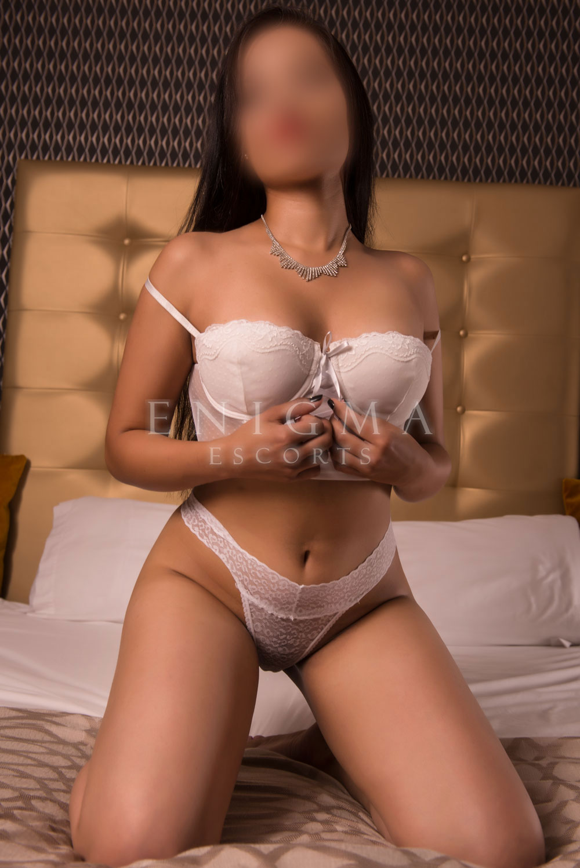 escort latinas Samantha 1 jovencita