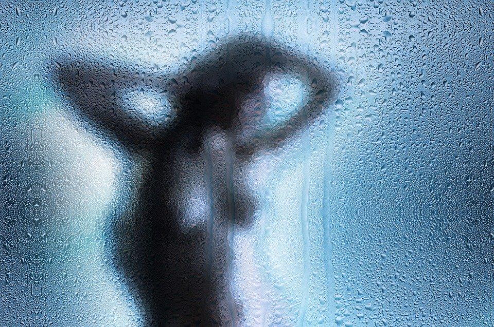 ducha erótica madrid